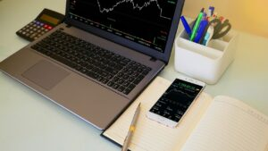 How to day trade, what makes a good day trader ,Why you should not Mirror Trade, Day Trading Blogs